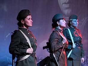 Спектакль «Концерт фронту»